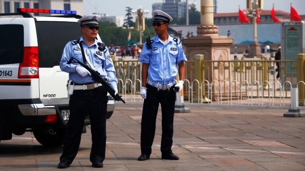 Mueren 13 terroristas que atacaron con bombas una comisaría en China