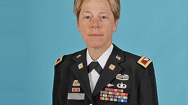 El Ejército de EE.UU. le da la bienvenida a la primera general lesbiana
