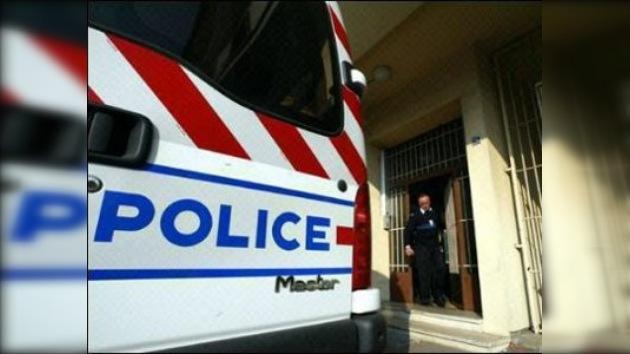 Un presunto etarra mata a un policía francés
