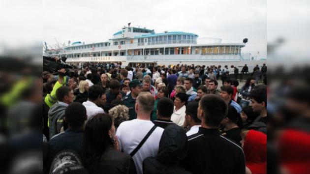 Pasajera del barco 'Arabela' que acudió al rescate: Se salvaron gracias a nuestro capitán