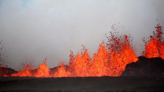 Video: El volcán Bardarbunga forma un poderoso tornado de gases tóxicos
