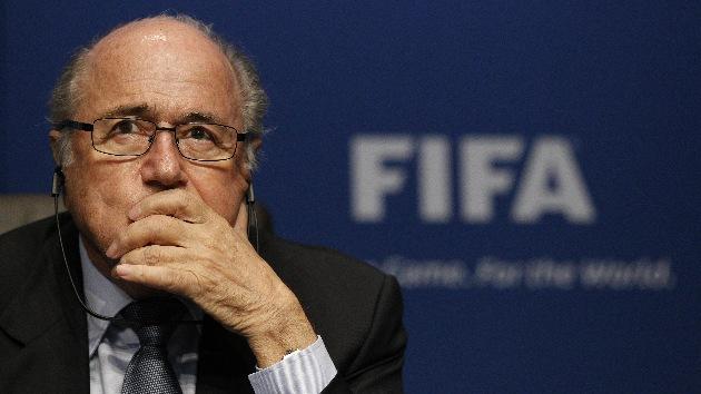 ¿En el fútbol siempre gana la FIFA?: Acusan a su directiva de duplicarse salarios en secreto