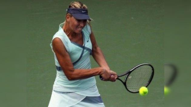 Sharápova llega con paso firme a la final de  Cincinnati tras vencer a Zvonariova