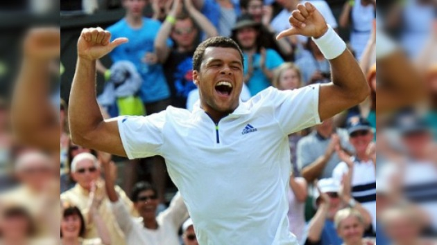 Tsonga tumba a Federer y alcanza su primera semifinal de Wimbledon