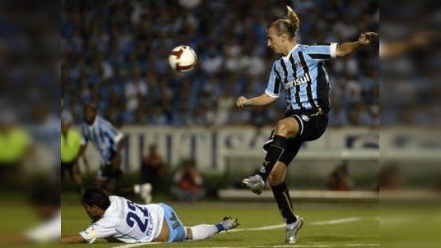 Maxi López renuncia al Gremio y el club estudia medidas legales contra él