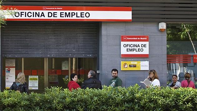 Acusan al Gobierno español de maquillar cifras para 'eliminar' a medio millón de parados