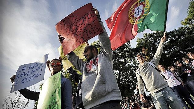 Fotos: Estudiantes plantan cara a los recortes en educación en Portugal