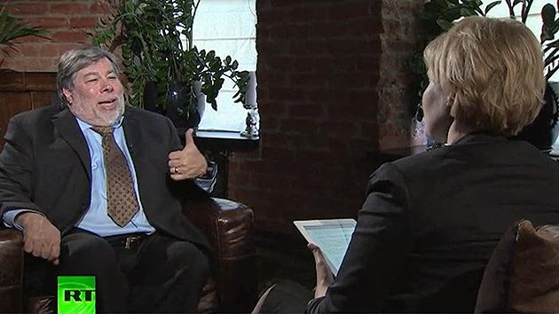 Steve Wozniak reveló a RT por qué las empresas tecnológicas espiaban al pueblo