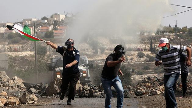 Video: La Policía de Israel rocía colegios palestinos con aguas residuales