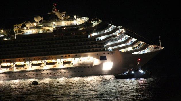 Video: Difunden imágenes del capitán del Costa Concordia escapando en un bote