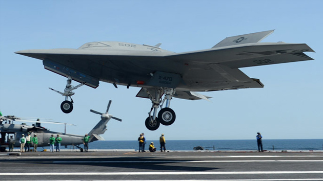 Resultado de imagen de Boeing revela un dron capaz de aterrizar en un portaaviones