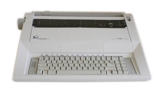 Máquinas de escribir, herramienta a la que va a recurrir Rusia para evitar filtraciones