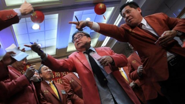Las nueve medidas de China para 'destronar' al dólar estadounidense
