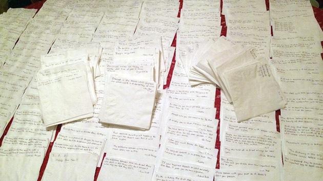 Un padre con cáncer deja a su hija 800 notas conmovedoras con consejos para la vida
