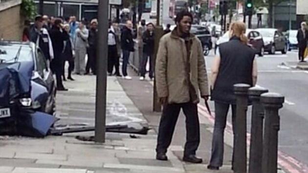 Una mujer se enfrentó con los asesinos de Londres cuando aún sostenían los cuchillos