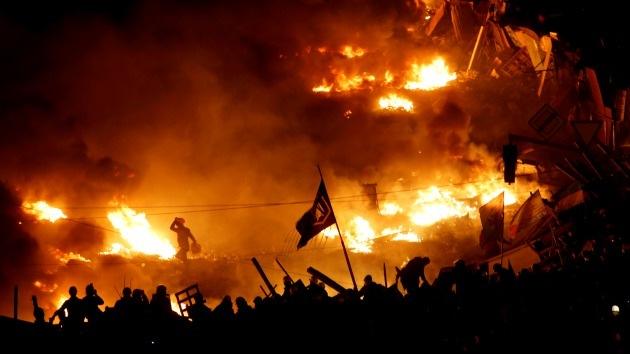 ¿Actúa EE.UU. 'entre bastidores' en el sangriento operativo de Kiev en el este?