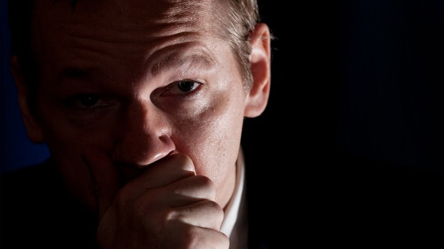 No encuentran ADN de Assange en un condón presentado por la acusación