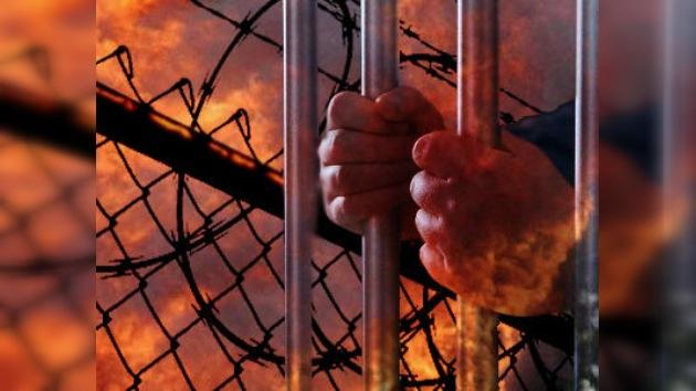 Al menos 14 presos mueren y decenas resultan heridos tras incendiarse una cárcel de México