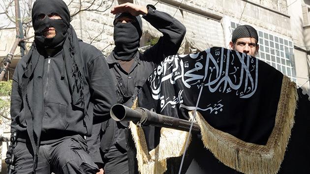 """Miembros de Al Qaeda irrumpen en una boda siria y exigen quitar la música por """"inmoral"""""""