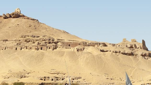 Egipto: Arqueólogos españoles hallan un doble sarcógafo en una cámara de 4.000 años
