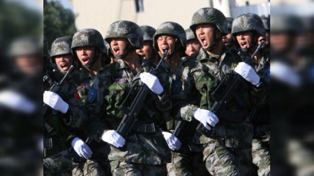 A los militares chinos les prohíben crear blogs y páginas web