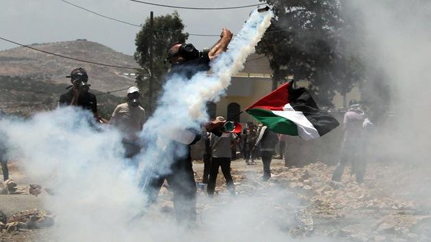 Militares israelíes abren fuego en un campamento de refugiados en Cisjordania