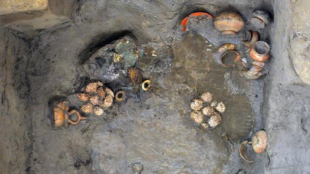 Hallan una tumba preincaica en el norte de Perú