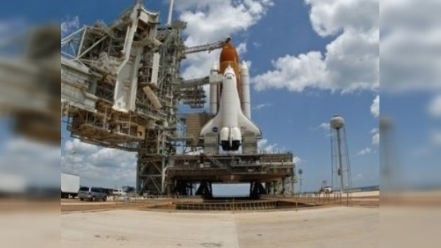 El transbordador Endeavour se dirige a la Estación Espacial Internacional