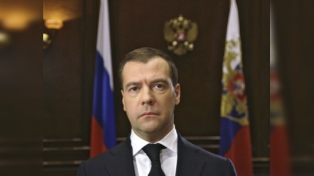 """Medvédev: """"Las causas del accidente aéreo se investigarán escrupulosamente"""""""