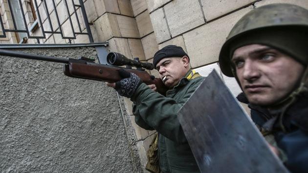 """Exministro del Interior ucraniano: """"La Policía no está detrás de los francotiradores"""""""