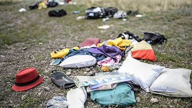 La cadena británica 'Sky News' hurga en el equipaje de los fallecidos en el vuelo MH17