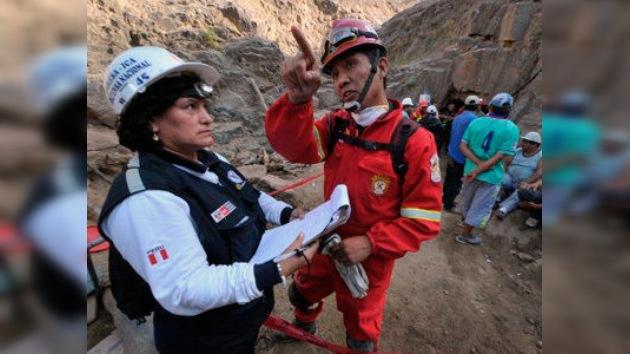 Perú pide ayuda para rescatar a nueve mineros atrapados por un derrumbe