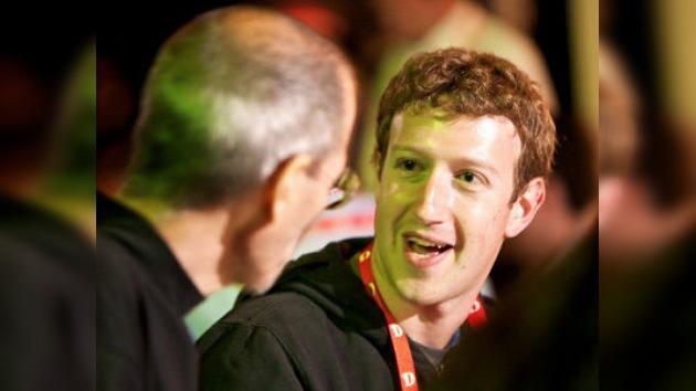 Steve Jobs, la voz de la experiencia detrás del éxito de Facebook
