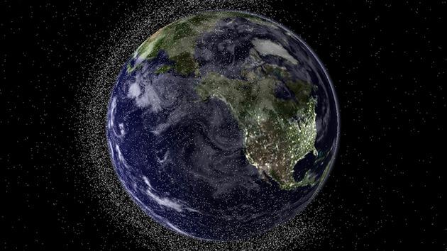 Pesca espacial: Japón pretende quitar la basura espacial con una 'red magnética'