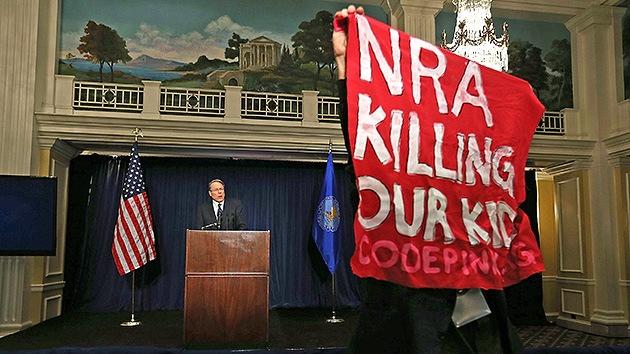 Masacre en Connecticut: La Asociación del Rifle culpa a los videojuegos de la violencia