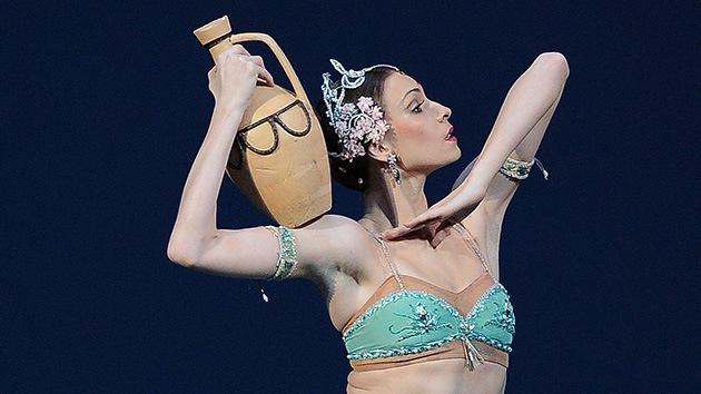 La rusa Olga Smirnova recibe el título de mejor bailarina del mundo