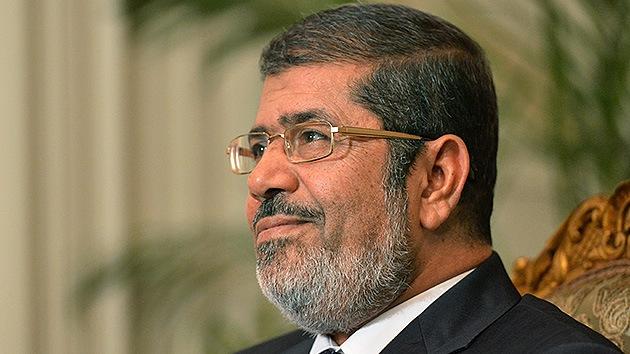 """El presidente de Egipto dice que su polémico decreto es """"temporal"""" y llama al diálogo"""