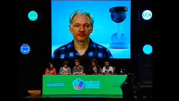 """Assange: """"Internet ha sido ocupado militarmente por EE.UU. y sus aliados"""""""