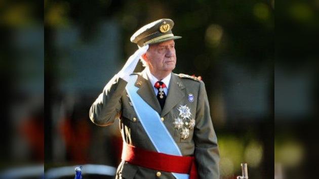 Los españoles, en contra de la 'escapada' de su rey en tiempos de crisis