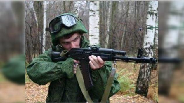El soldado del futuro se 'trajea' en la feria MAKS-2011