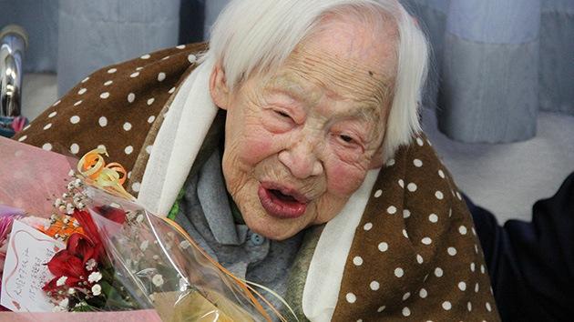 """La mujer más longeva del mundo da consejos para vivir más: """"Hay que saber relajarse"""""""