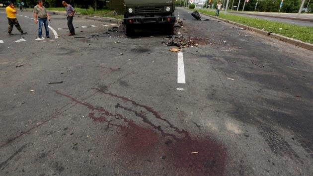 La vía de la muerte: civiles son brutalmente asesinados cerca del aeropuerto de Donetsk