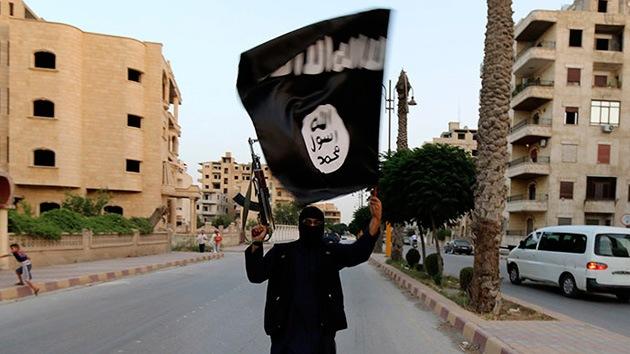 """""""EE.UU. bombardea Irak para resolver los problemas que creó"""""""