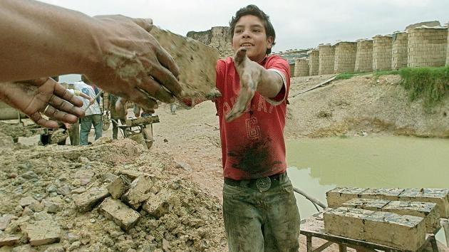 El número de niños trabajando alcanzó los nueve millones en América Latina
