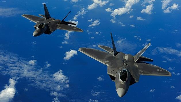 Satélites espía, F-22 y microondas: ¿De qué armas se valdría EE.UU. para atacar Siria?