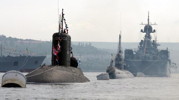 Izan la bandera rusa sobre la mayor parte de los buques militares de Ucrania en Crimea