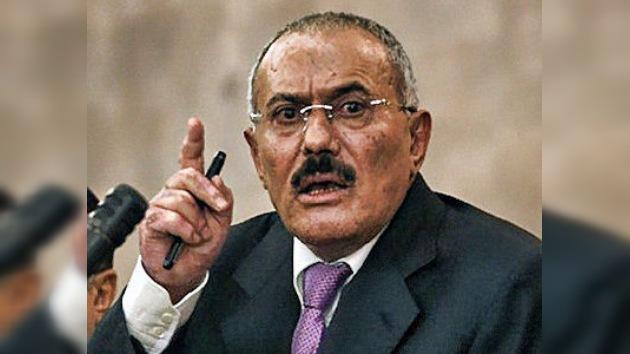 El ex presidente yemení abandona el país