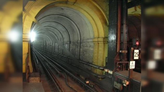 Peatonalizado por dos días el túnel más antiguo del Támesis