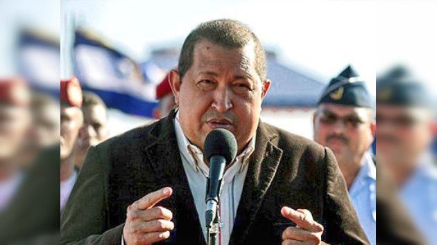 """Chávez apoya a Argentina y tilda de """"ridículo"""" al Gobierno británico"""