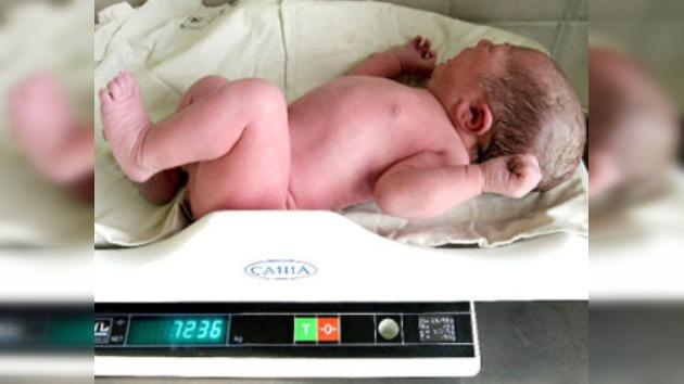 Bebé gigante de 7,2 kg nació en una ciudad rusa